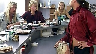 szőke német rövid haj puma kell bátorság-szivattyú vacsorára 1. rész