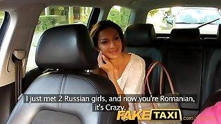 faketaxi femme roumaine en train de se faire sucer