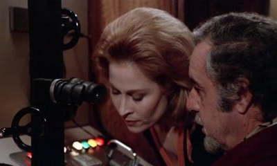 l & #039;occhio dietro la parete (1977))
