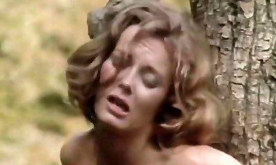 מתוקה - 1977