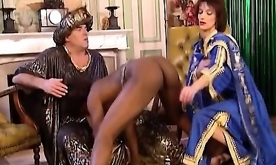African Mega-slut Blows And Gets Fisted In Threesome