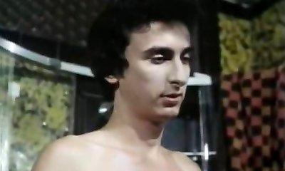 cinci păpuși heiss wie lava (1978)