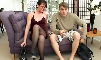 Cougar loves to play with a meaty cock