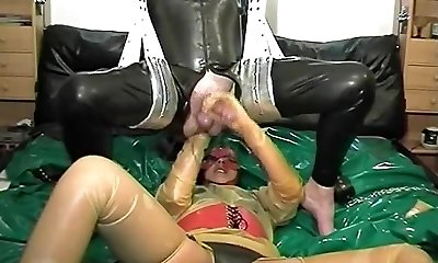 vintage rubber latex couple ass fisting cumshot
