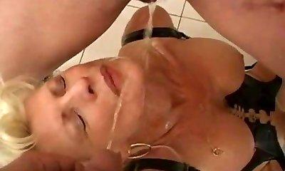 Urinating german