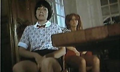 Collegiennes מלשן ההתערבות (1977) עם מרילין ' ס