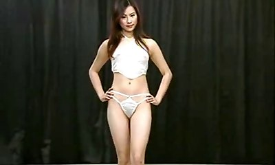 Chinese Lingerie Catwalk Edition