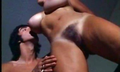 film de epocă pieptoase femei mature