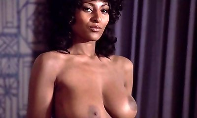 Pam Grier Coffy compilation (Brief)