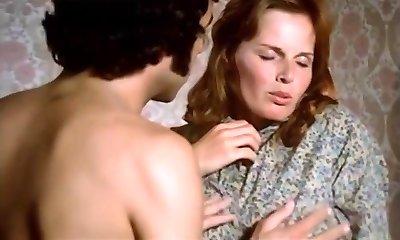 1974 German Porno classic with amazing ultra-cutie - Russian audio
