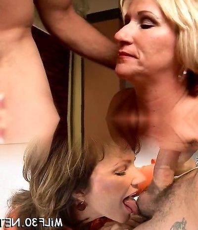 Naughty mature honey Molly gives a sloppy rimjob