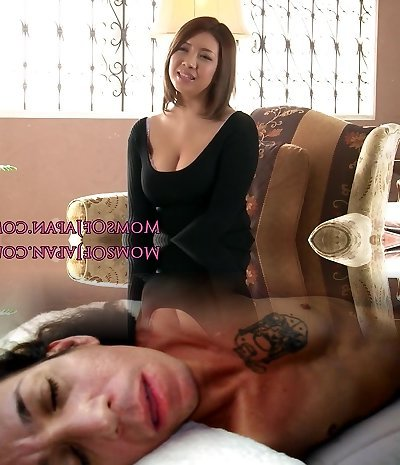 Mature japanese mother toyed and throatfucked