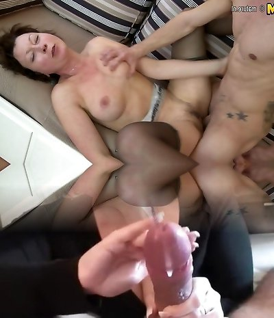 Amateur housewife gets drilled rigid by her toyboy