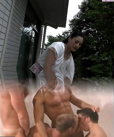 Chinese hot moms enjoy hardcore fucking and frigging