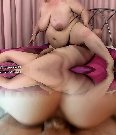 Picked up BBW sucks in Sixty-nine and then rides
