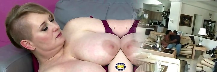 Bigtit mature mummy feeding her hungry cootchie