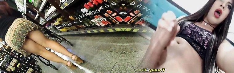 candid madura tanga-grasa caboose spycam-bentover backside