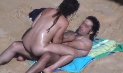 pareja de playa.avi