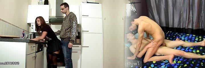 step-stepson engaña a la madre milf para arar y volcar en leotardos