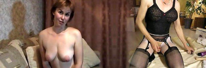 cougar madura platino-rubia en casa stripteasing y dedo-golpeando su coño