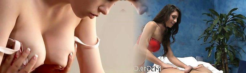 ANNE ergen büyük doğal göğüsleri ile lezbiyen