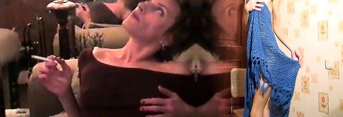 Mommy smoking sex