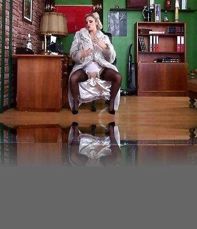 Tweak Up Girl Stockings, Louboutins & Fur