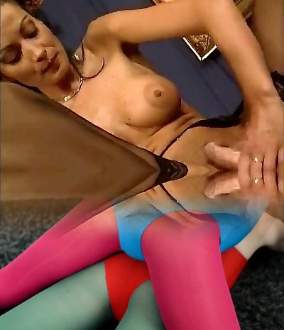 Classical Italien 90s Doll's in Nylons