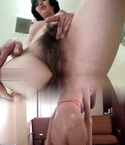 Hairy mature piss and cumshot