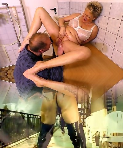 Urinate fetish elderly dude pisses on nasty old chick before a steamy pussy pounding scene