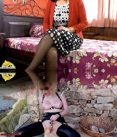 Depraved nympho Anabella is mature whore who loves to masturbate her fur covered honeypot