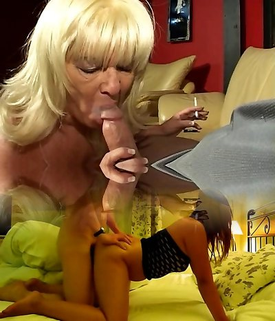 Blonde mature pipe throating granny loves a cigarette and a hard dick