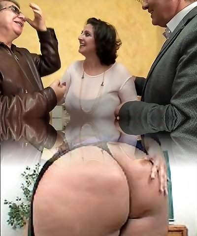 He watches his wifey Romina boinked in a gangbang