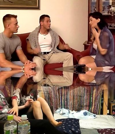Mature wife dual-vag banged by young studs
