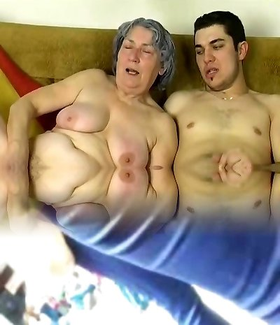 OmaPass Young fellow fuck highly old granny with her girlfriend