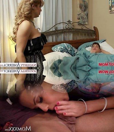 Huge-titted blonde mom Alyssa Lynn suck a large pecker