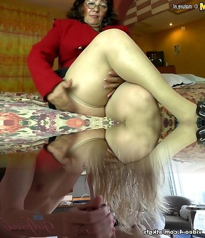 Horny amateur Latin mature mom toying with her hairy pussy