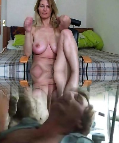 Cougar with big boobs rubs her mature beaver