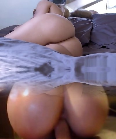 Magnificent busty blonde mom seduces her young neighboor and gets sodomized
