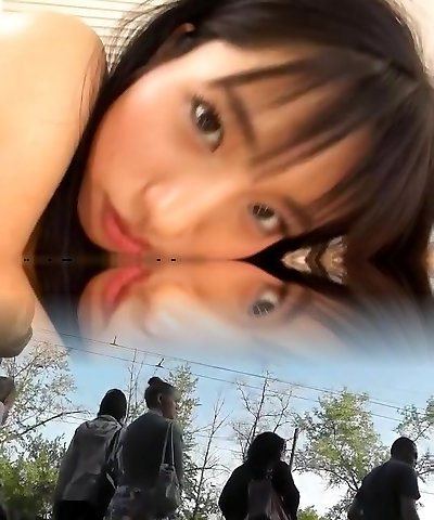 Momo Junna Adorable Asian teen is enjoying her date