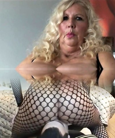 Vip busty blonde tramp pussy nailed rock-hard in close up