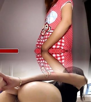 Youthful thai ladyboy inserts fucktoy in butt