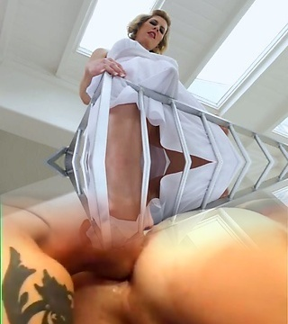 Light-haired shemale Delia De Lions a-hole penetrated in 3 way