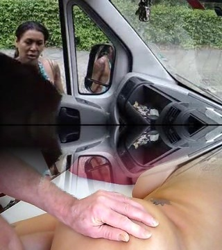 Dude wank at T-girls on car