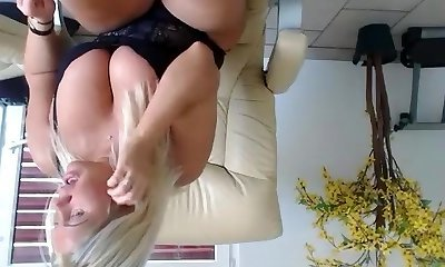 come2mom fledgling vid 06/25/2015 from chaturbate