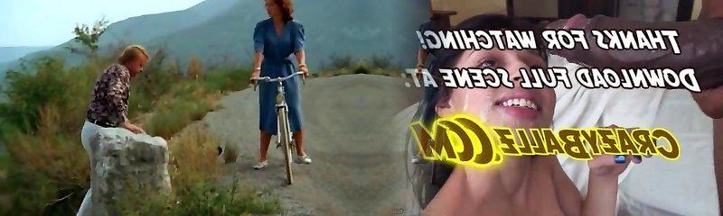 La prof enseigne without preservatif (1981) Nicole Segaud