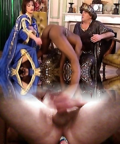 African Superslut Blows And Gets Fisted In Three Way
