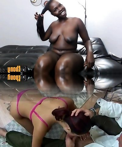 African babe with big clapping butt and luxurious grin