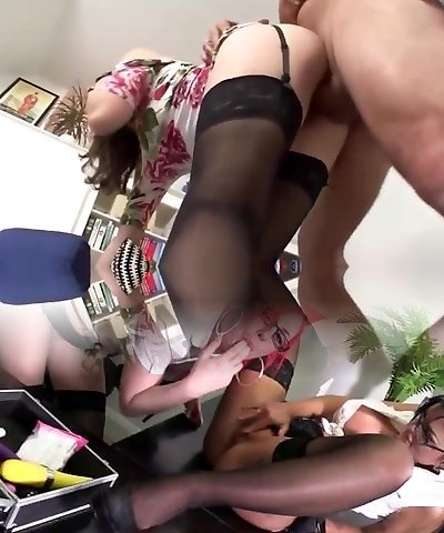 Hot brunette milf in black stockings does taut blowjob
