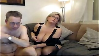 Mature mummy have a webcam sex with big perfect tits